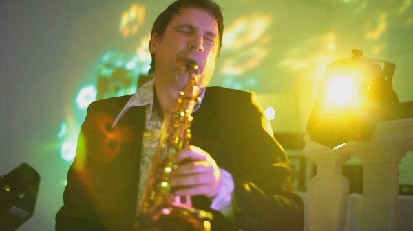 DJ, Live Band, Hochzeit bzw. Wedding, Saxophonist, Musiker, Hamburg, Sängerin, Corporate Events