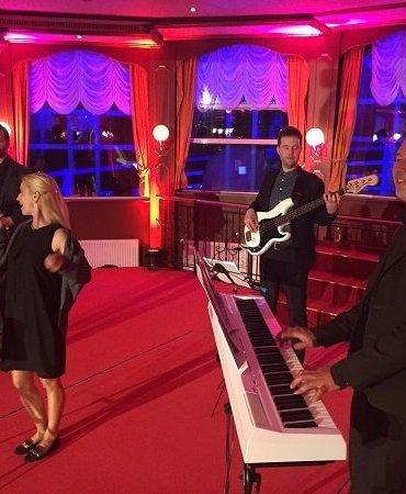 DJ, live band, wedding, saxophonist, musician, Hamburg, singer, corporate events